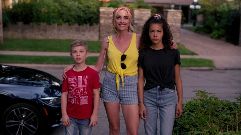 Diesel La Torraca, Brianne Howey e Antonia Gentry in Ginny & Georgia (2021)