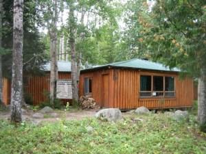 Camp Lochalsh Trapper's Lounge - Ontario Fishing - Wabatongushi Lake