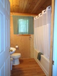 Camp Lochalsh Cabin 3 Bathroom