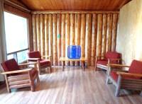 Loch Island Lodge - Camp Lochalsh Cabin 3 Living Room ...