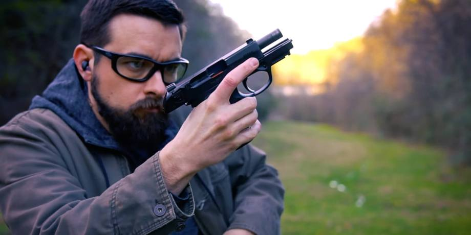 How to Reload a Semi Automatic Pistol
