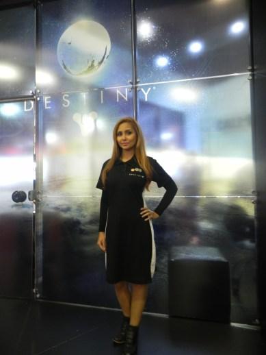 Booth_babe_gata_Activision_2015_BGS_2014