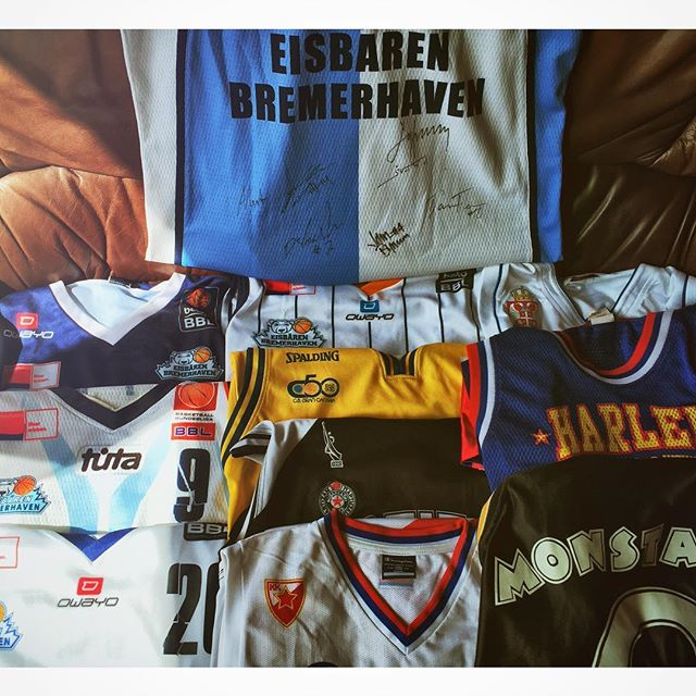 And even more jerseys from other leagues- including my very first jersey: #monstars from #spacejam #jersey #history #partizan #srbija #crvenazvezda #harlemglobetrotters #eisbärenbremerhaven #grancanaria #firstBBLseason #signedjersey