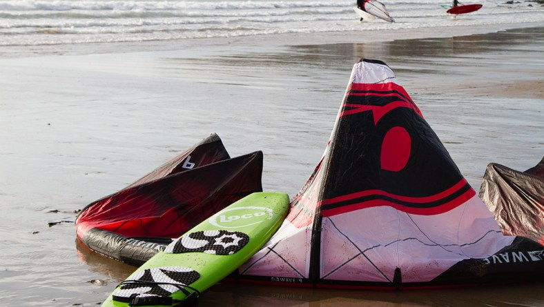"Tommy Perkins Scores on his 5'8"" Loco Kiteboard at Bigbury"