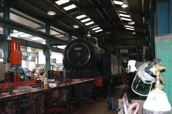 Buckfastleigh - N7 class 69621