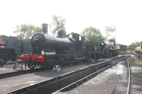 2009 - Bluebell Railway - Sheffield Park - 9017 & 34059 Sir Archibald Sinclair