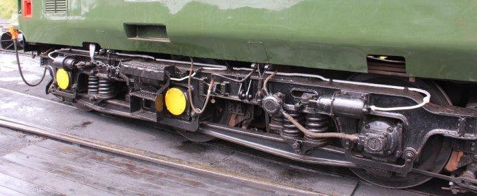 2013 - Watercress Line - Ropley - Class 37 - D6836 bogey