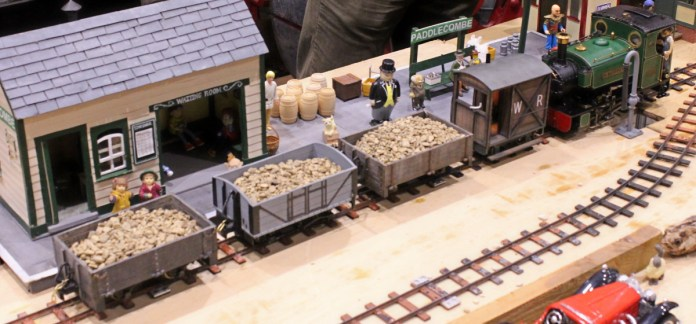 The Woodpecker Railway - Live Steam 16mm to 1 foot gauge track - Dickon Armstrong November 2015 Milestones Museum