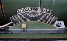 23-10-2016-watercress-line-autumn-steam-gala-2016-03-ex-lms-46100-royal-scot-at-ropley-nameplate