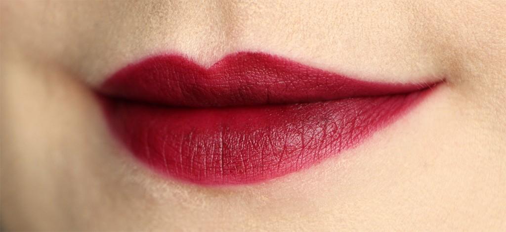 kiko 318 velvet passion matte lipstick lips swatch