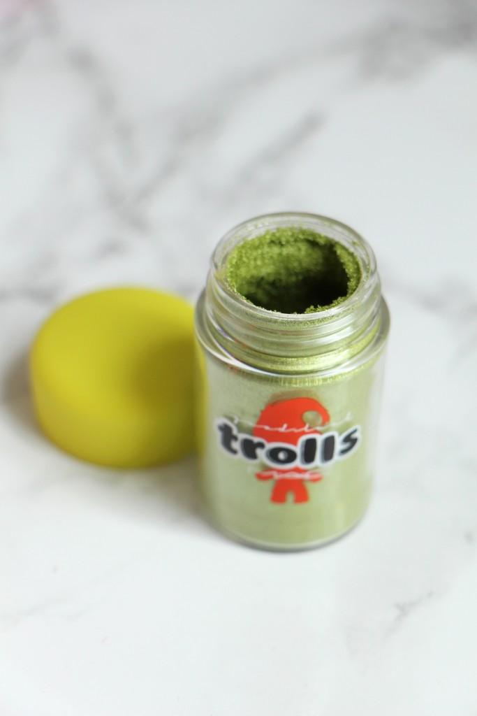 good luck trolls mac cosmetics pigment chartreuse 1