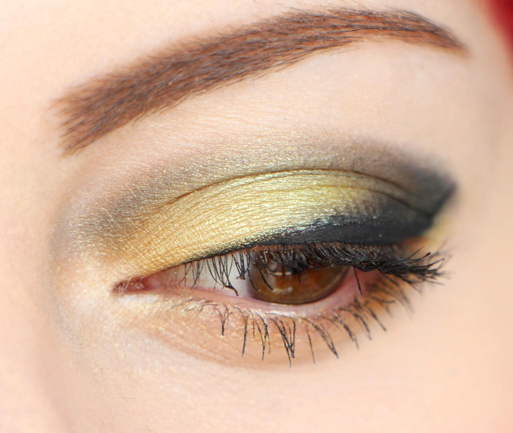 mac trolls zoom green makeup pigment