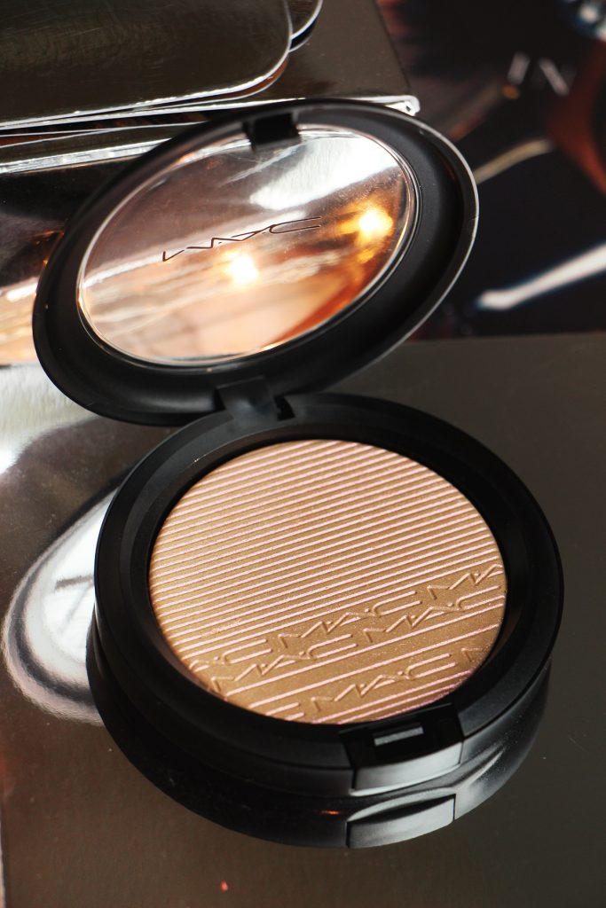 show gold mac compact skinfinish extra dimension