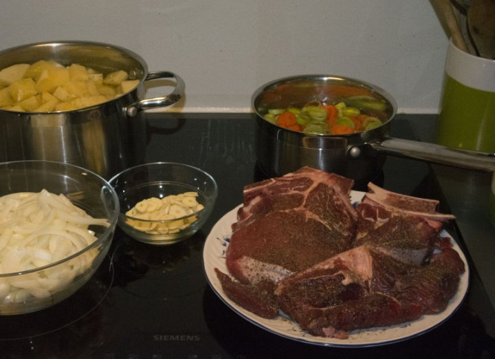 Alt klart til middagen ...