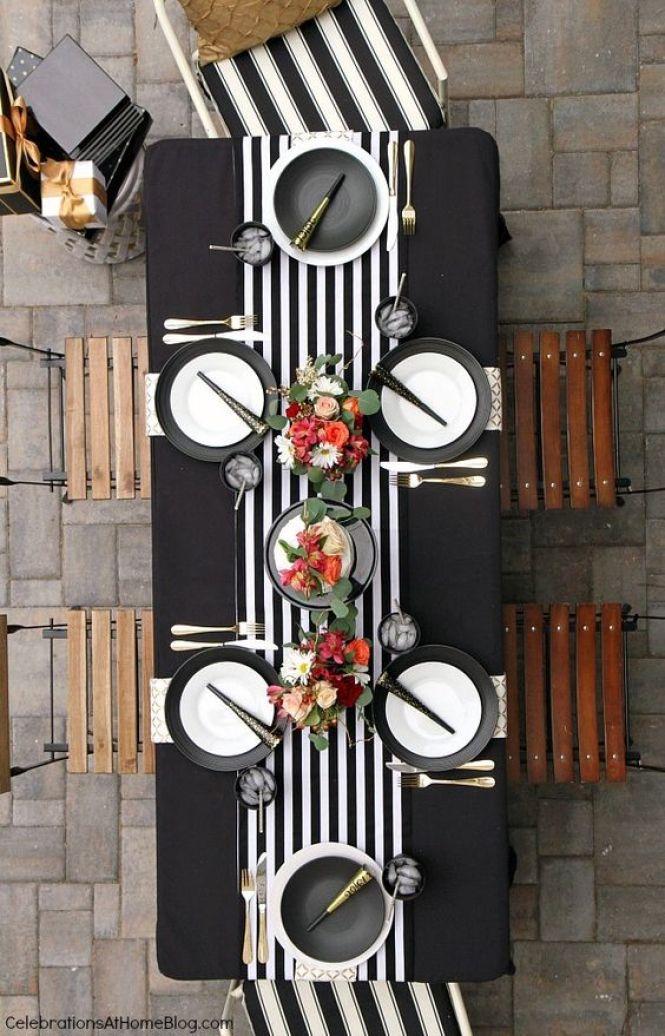 Mesa decorada rayas Blanco y Negro