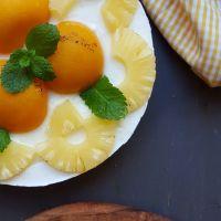 Tarta de yogurt, piña y melocotón sin horno