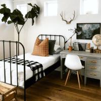 Camas de forja en habitaciones juveniles