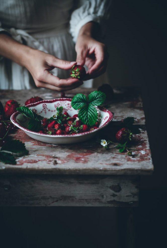 Limpiar bien las fresas y bayas