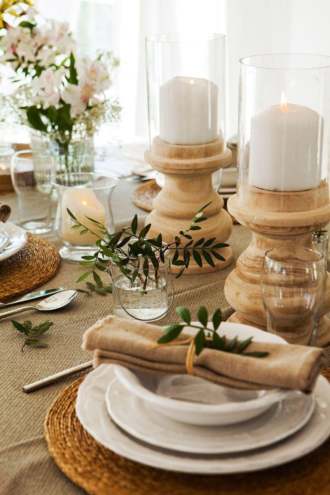 Una mesa natural y con básicos