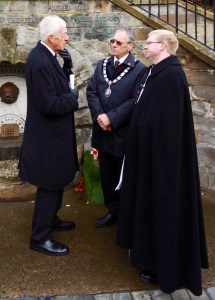 The Rector and Mayor speak with the Deputy Lieutenant of North Yorskhire