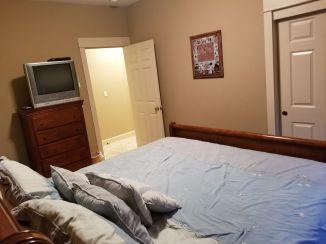 38 Moonbeams Lower King Bedroom_3