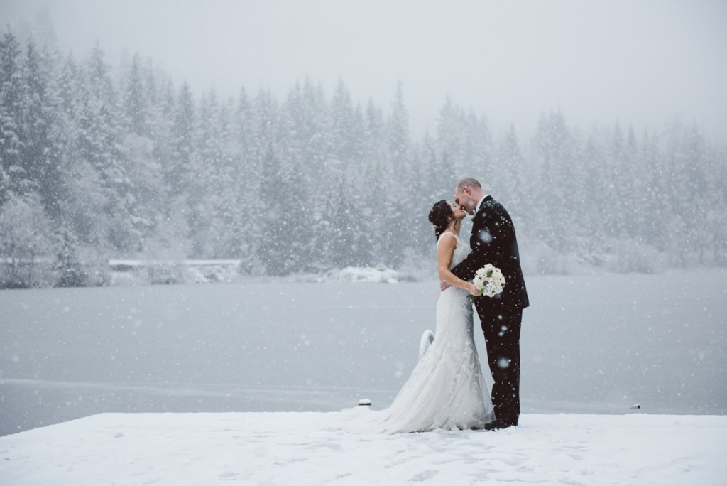 winter-wedding-whistler-nitalake_LS009