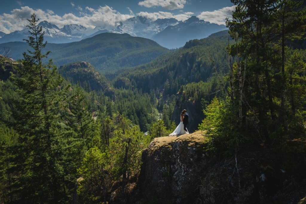 whistler-wedding-photography-cliff-moment_LS