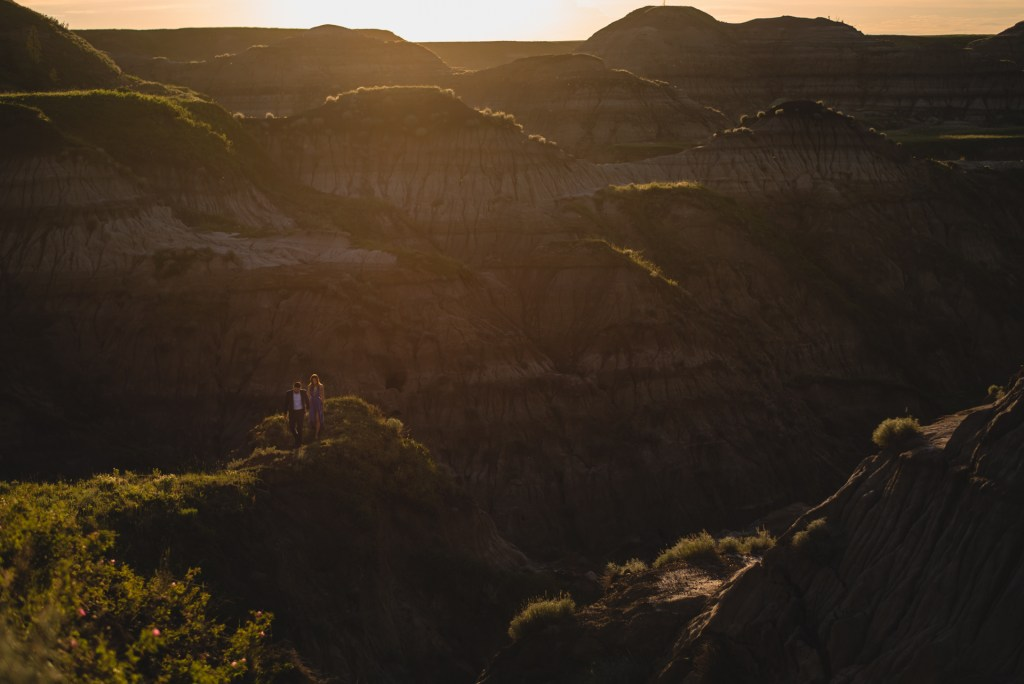drumheller-engagement-scenic-sunset