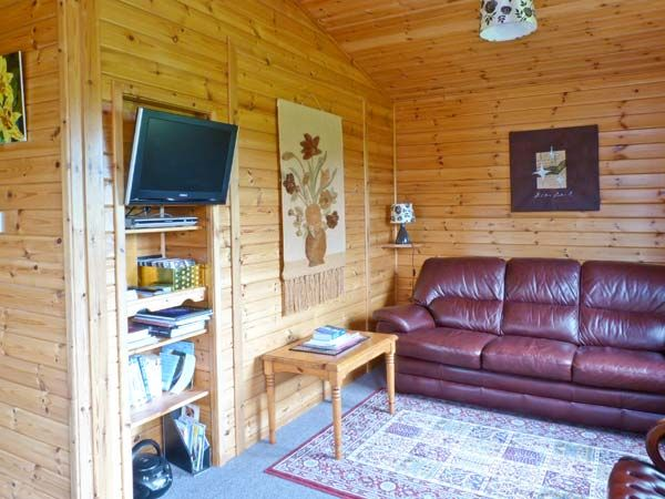 Spinney Lodge Scotland Lounge Logcabinholidays