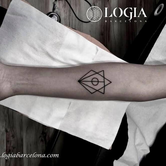 Tatuajes De Triángulos Tatuajes Logia Barcelona