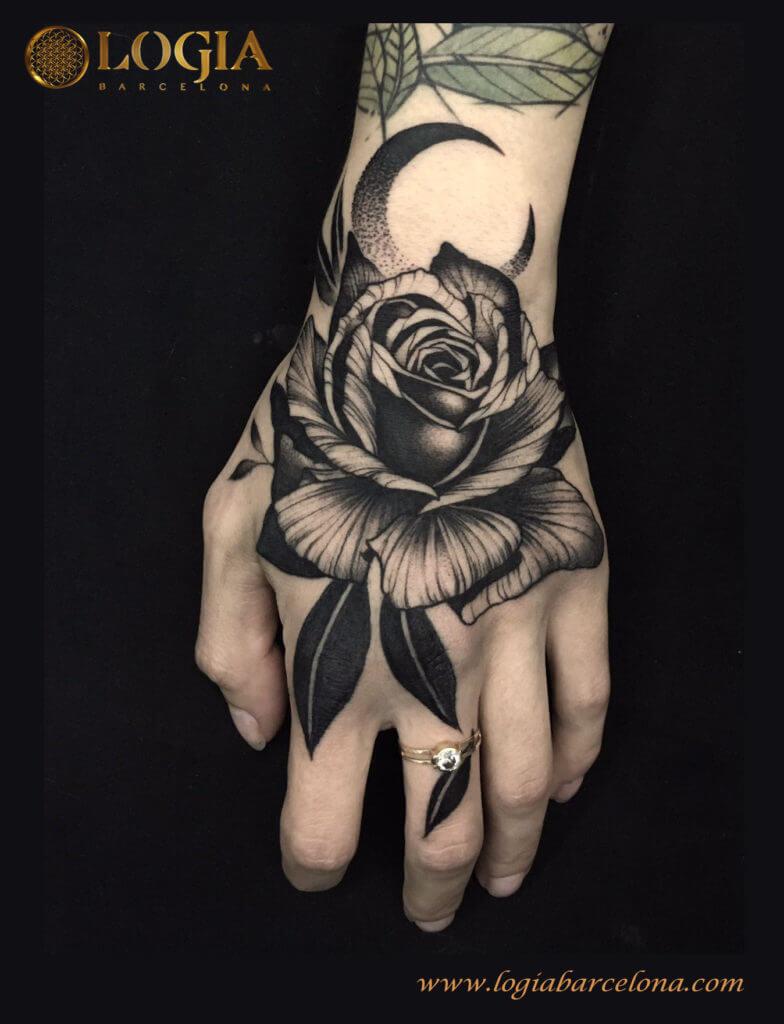 Tatuajes De Rosas En Blanco Y Negro Logia Tattoo Barcelona