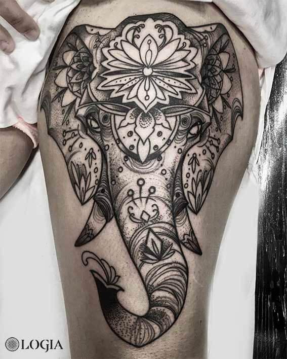 Elefante Hindú Tatuaje Logia Tattoo Barcelona