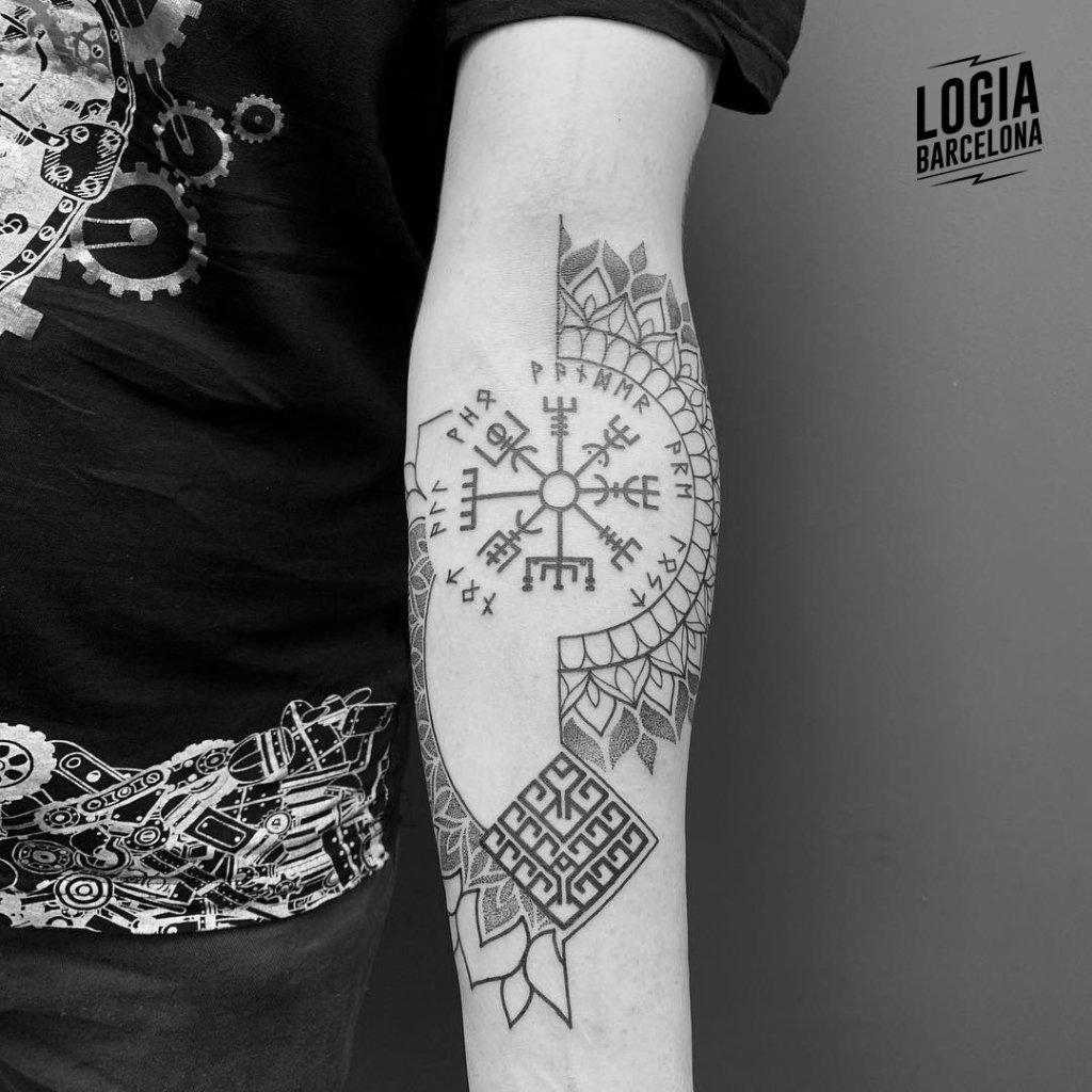 Tatuajes De Simbología Vikinga Logia Tattoo Barcelona