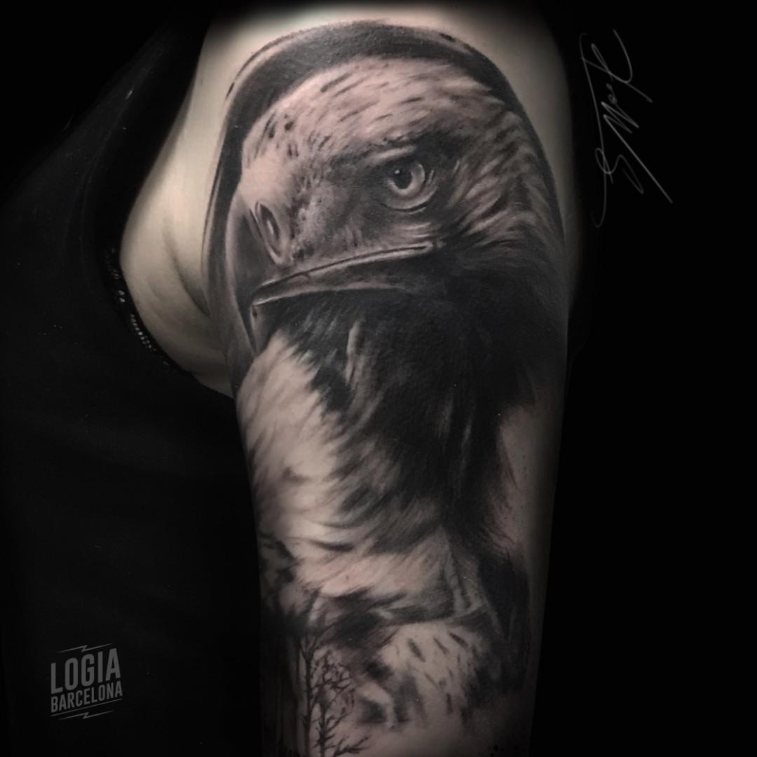 Tatuaje águila Logia Tattoo Barcelona