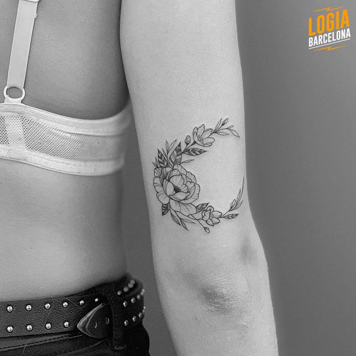 Tatuajes Encima Del Codo Logia Tattoo Barcelona