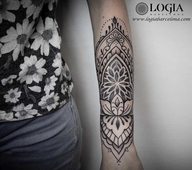 Tatuaje Antebrazo Mujer Mandala