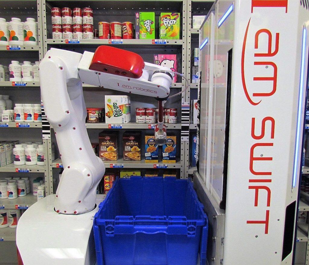 Autonomous Mobile Robots can Combine Different Forms of Intelligence
