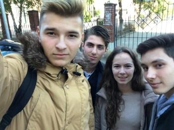 Darius Buda (dreapta), alături de echipa LOGO Paper (Darius Bungău, Florin Mihocaş şi Oana Taichiş)