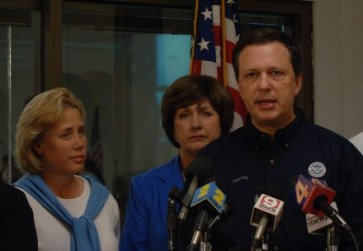FEMA chief Michael Brown alongside Governor Kathleen Blanco and Senator Mary Landrieu