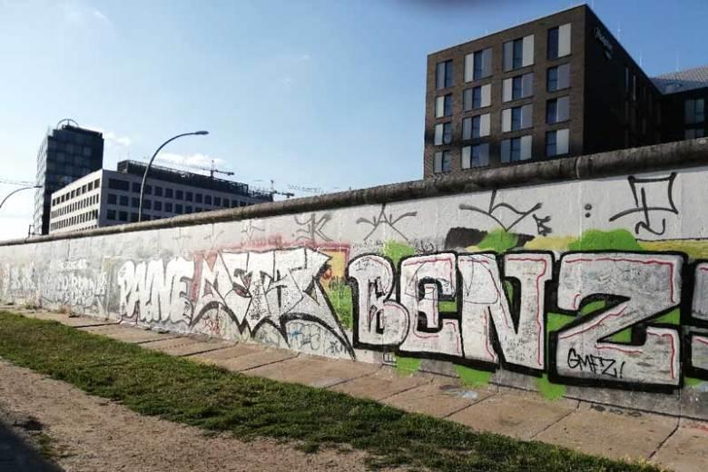 abbatta-questo-muro-berlino-oggi-east-side-gallery-logositalia