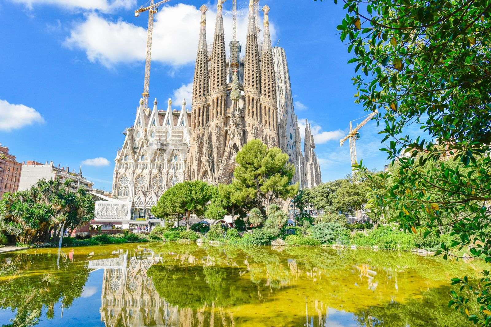 【西班牙】巴塞隆納必訪景點-聖家堂Sagrada Família之線上購票及登塔分享 – 老漢推一把