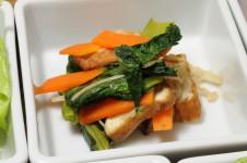 厚揚げと野菜の煮物。