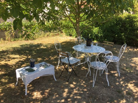 table in shade