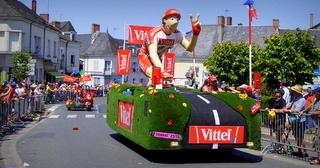 caravane du tour de france cycliste à Eceullié