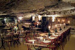 nouvel an restaurant la Cave aux fouées réveillon troglodytique