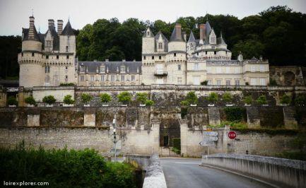Château d'UIssé Château de Saumur invasions barbares vikings sur la Loire