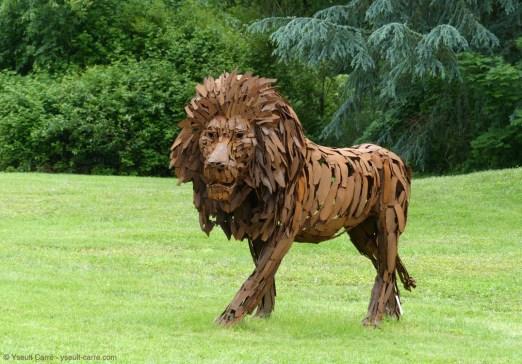 Le Lion de Christian Hirlay - ANIMAL - Exposition de sculpture animalière monumentale contemporaine à Briare - photo copyright Yseult Carré