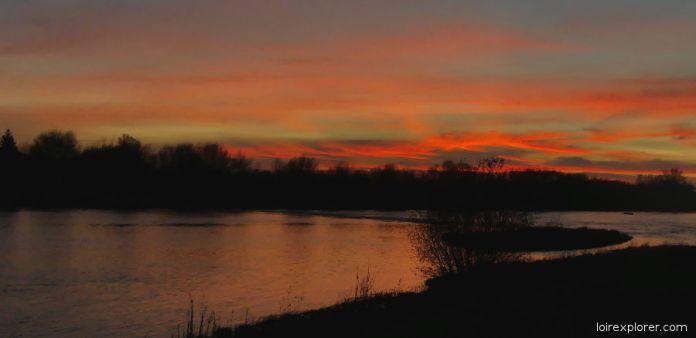 excursion insolite Selles sur Cher - Montrésor coucher de soleil sur le Cher à Châtillon sur Cher