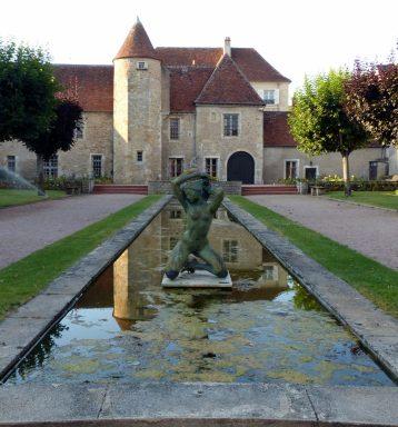 Musée Saint-Vic à Saint-Amand-Montrond - sculpture de François Cacheux copyright Yseult Carré