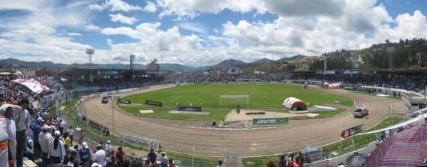 Estadio Federativo Reina del Cisne